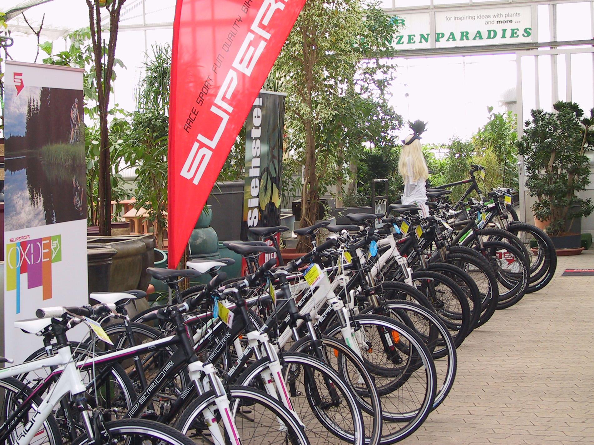 """G.K.R.-Bike Store – """"Superior Bikes 2012"""""""