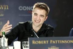 Robert Pattinson bei der Pressekonferenz für BREAKING DAWN - BISS ZUM ENDE DER NACHT Teil 2. © 2012 Concorde Filmverleih GmbH