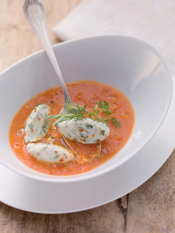 "Alfons Schuhbeck – ""Tomaten-Karotten-Suppe mit Bergkäse-Kräuter-Nockerl"""