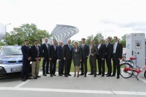 Elektrofahrzeuge – Neue Schnellladestation an der BMW Welt in München eröffnet