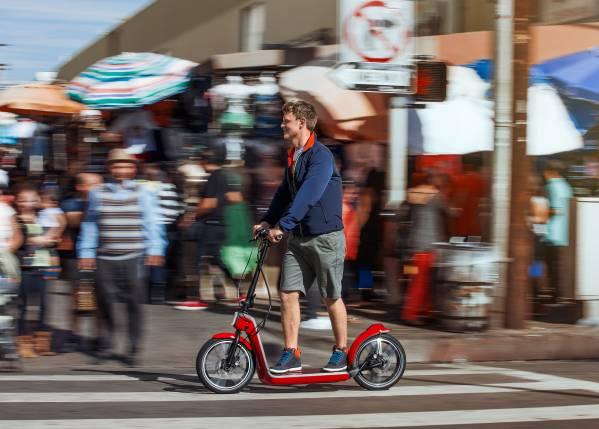 Das MINI Citysurfer Concept. Spontaner Fahrspaß